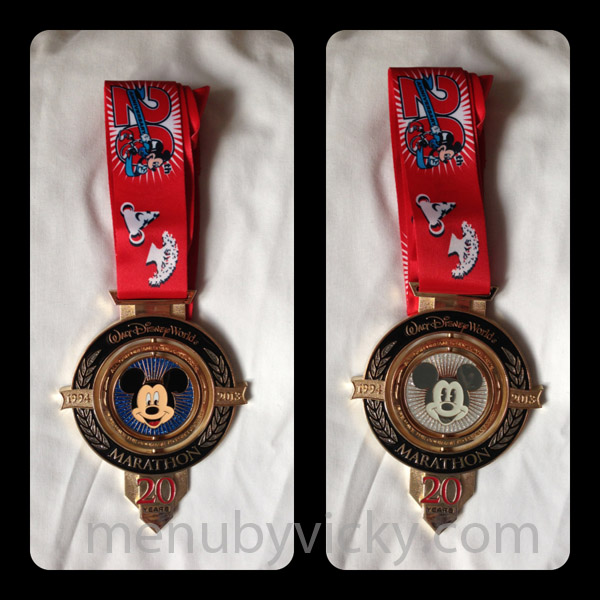 Both sides of the finisher's medal